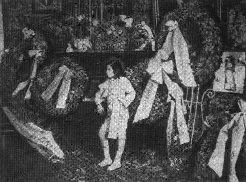 Der achtjährige Loris Margaritis bei einem Konzert in München (1903). Hier wurde er das Vorbild für die Hauptfigur in Das Wunderkind, einer im Dezember 1903 geschriebenen Künstler-Erzählung Thomas Manns, der das Konzert in München besucht hatte.
