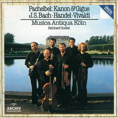 Bartträger unter sich: die Musica Antiqua Köln vor dem Brühler Schloss Augustusburg auf einem Albumcover von 1983