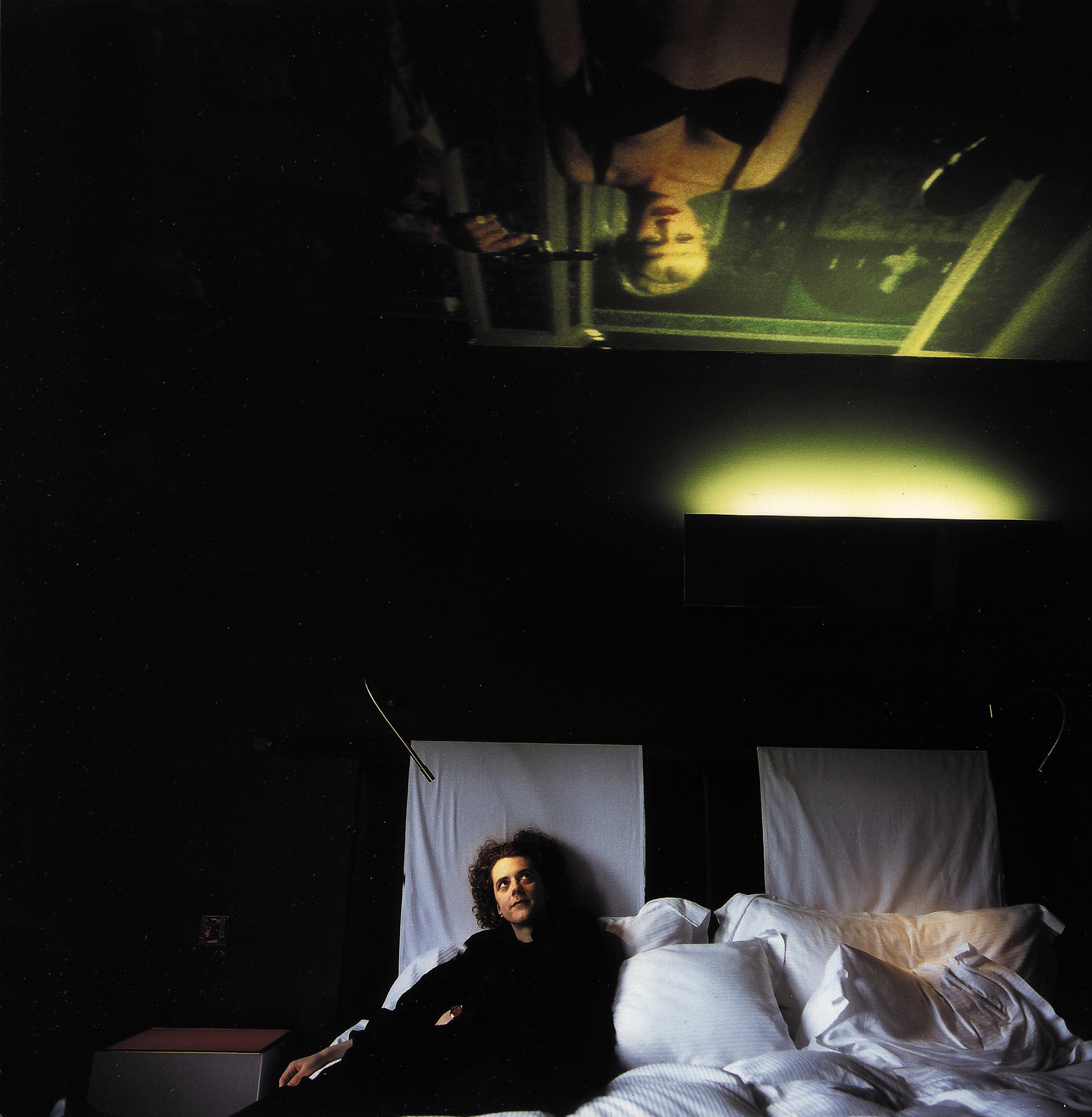 Olga Neuwirth im Lost Highway-Zimmer imProjekt The Hotel des Architekten Jean Nouvel in Luzern · FotoPRISKA KETTERER