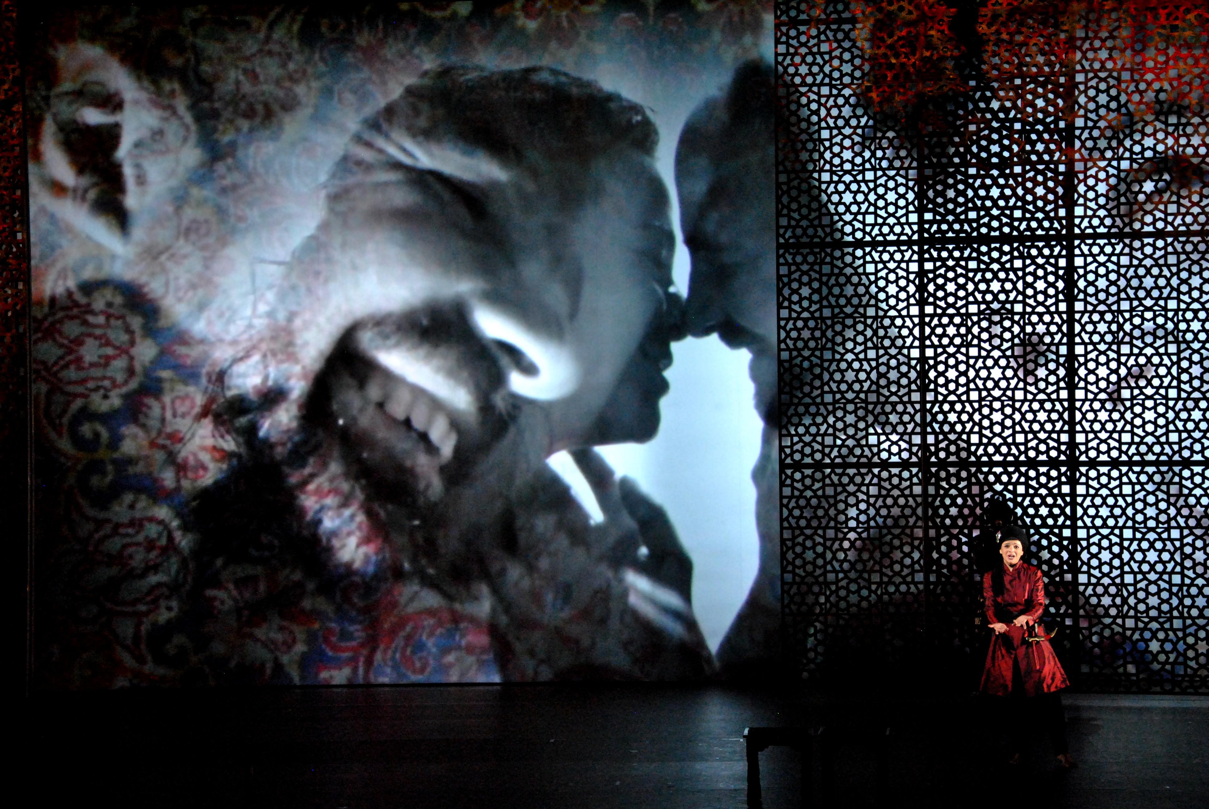 Szenenfoto aus Cencics Inszenierung von Johann Adolph HassesSiroean der Opéra Royal de Versailles (2014)· Foto ©Antoine Ramos