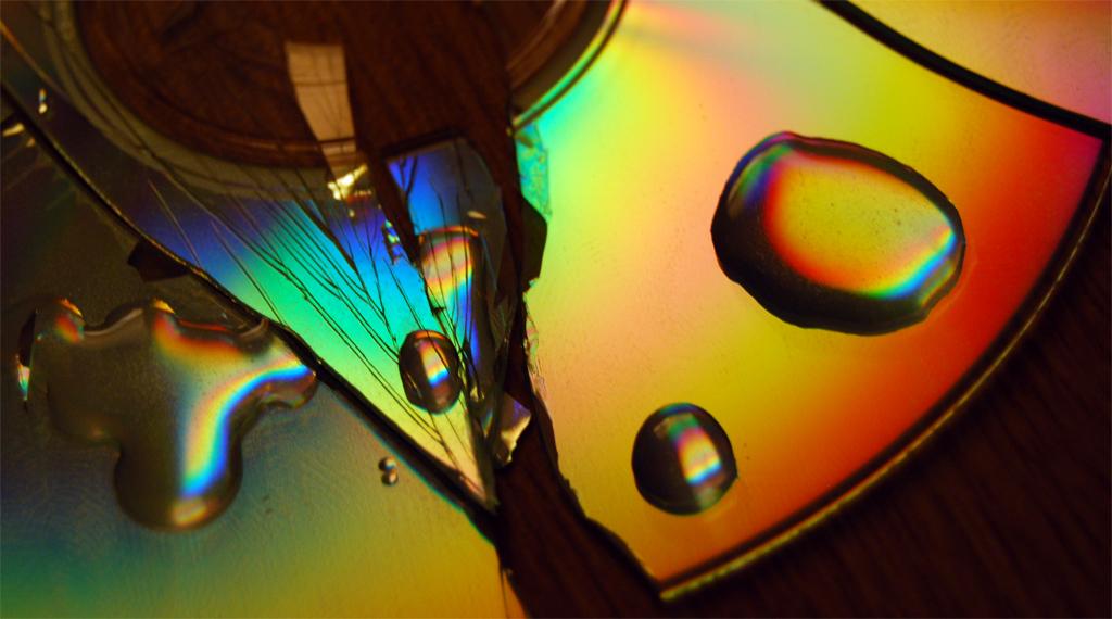 FOTOColor Spectrum CD ReflectionTODD BINGER(CC BY-SA 2.0)