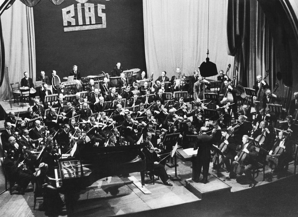 Erstes öffentliches Konzert im Titania-Palast am 07.09.1947 – unter der Leitung von Walter Sieber