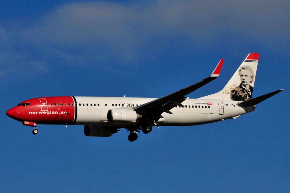 Die Boeing B 737-800    LN-NOB »Edvard Grieg« der Fluglinie Norwegian •Foto:Liam McManus(CC BY-NC-ND 2.0)