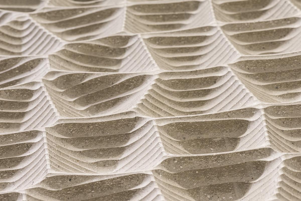 Fast schon Kunst: Die weiße Haut des Großen Saales • Foto © Johannes Arlt