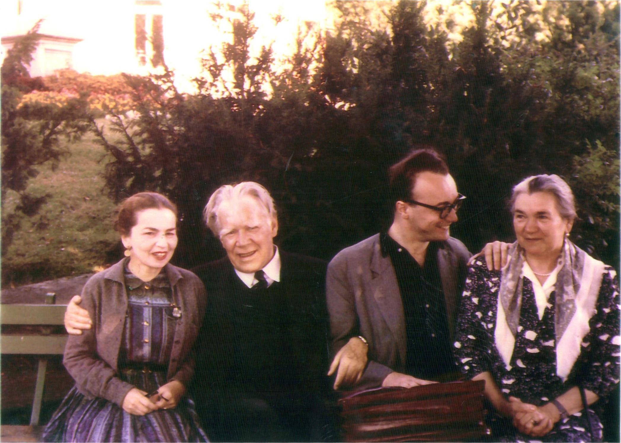 Edwin Fischer mit Katja Andy (links) und Alfred Brendel mit Lina Gerlieb (rechts), 1956