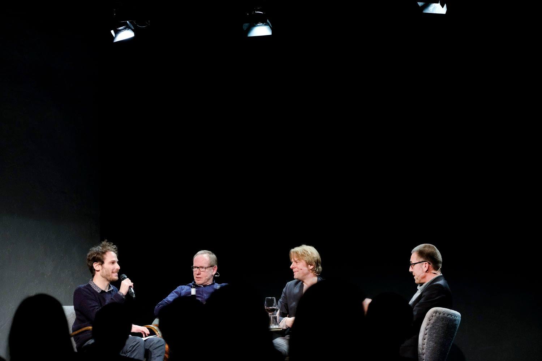 Im Resonanzraum auf St. Pauli im Gespräch über die neue große Nachbarin: Jeffrey Arlo Brown, Michael Maierhof, Tobias Rempe, Niko Paech