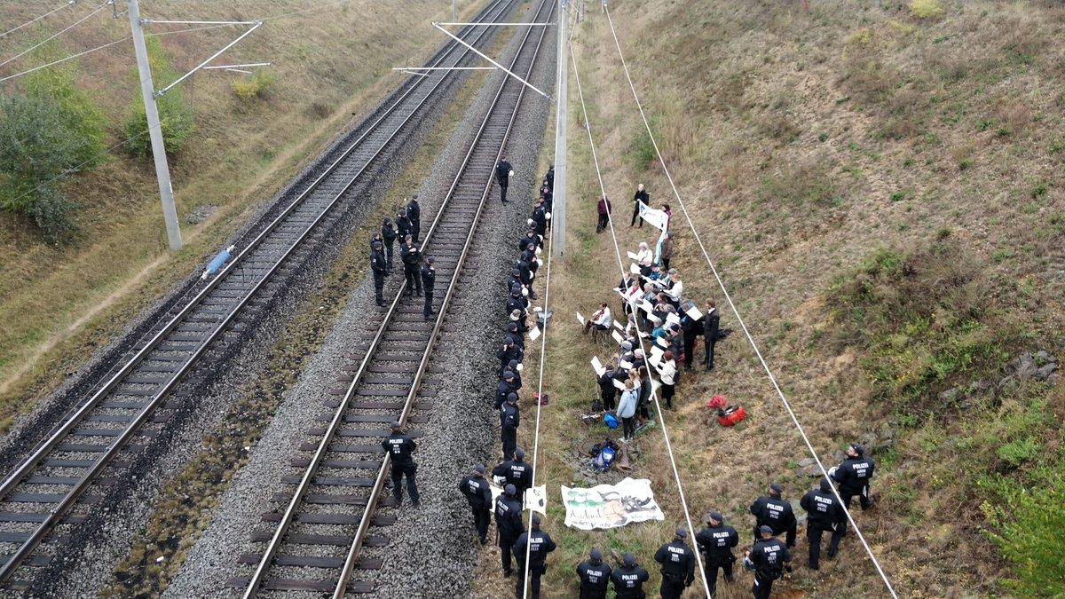 Konzertbeginn – Blockade der Hambachbahn