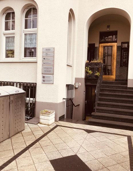 In der Blumenthalstraße im Kölner Agnesviertel befindet sich seit 1970 das Joseph Haydn-Institut.