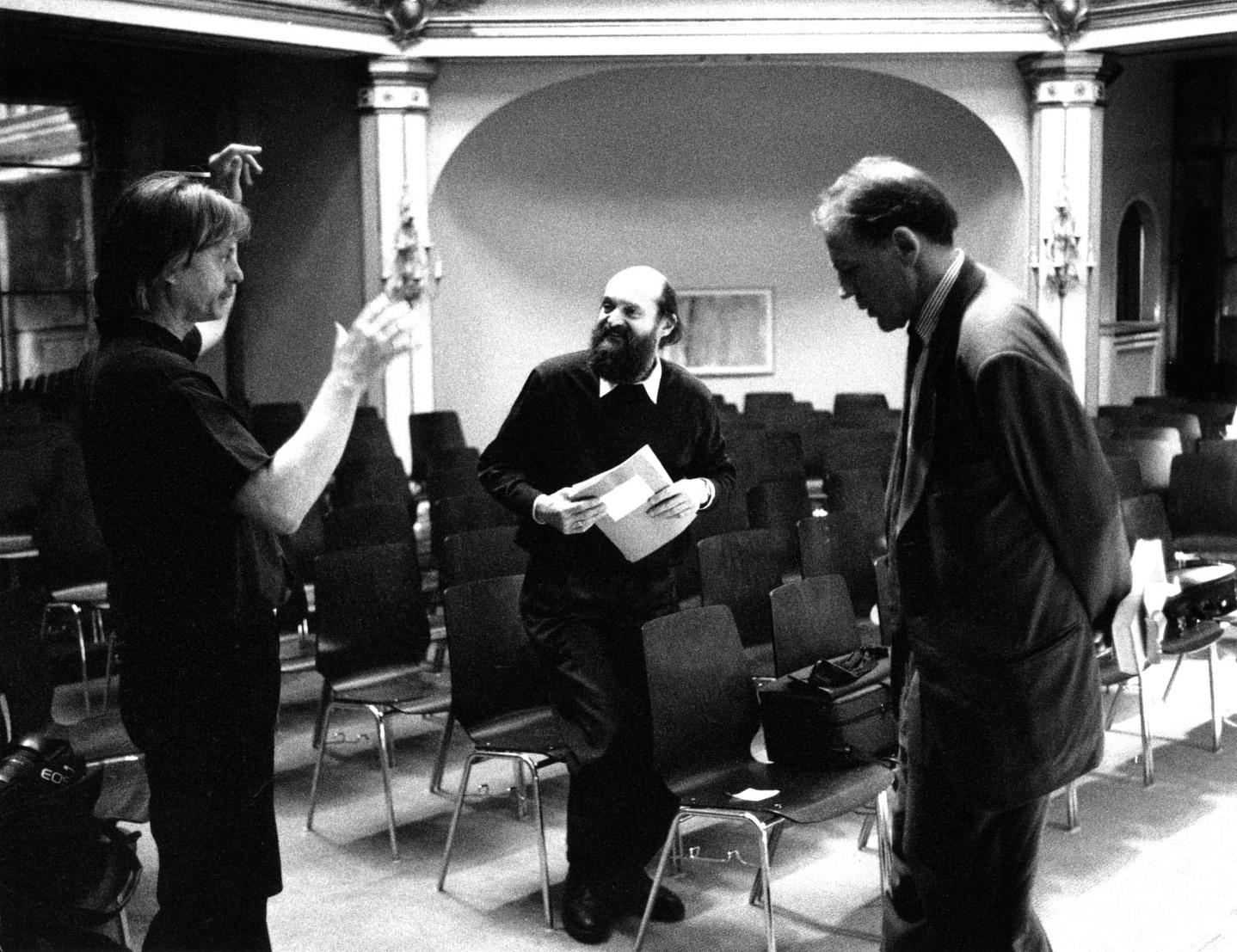 Manfred Eicher mit Arvo Pärt und Bruno Ganz, Badenweiler 1994 • Foto © Roberto Masotti
