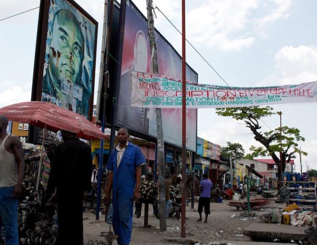 Ein Platz in Kinshasa, nahe der Unfallstelle.