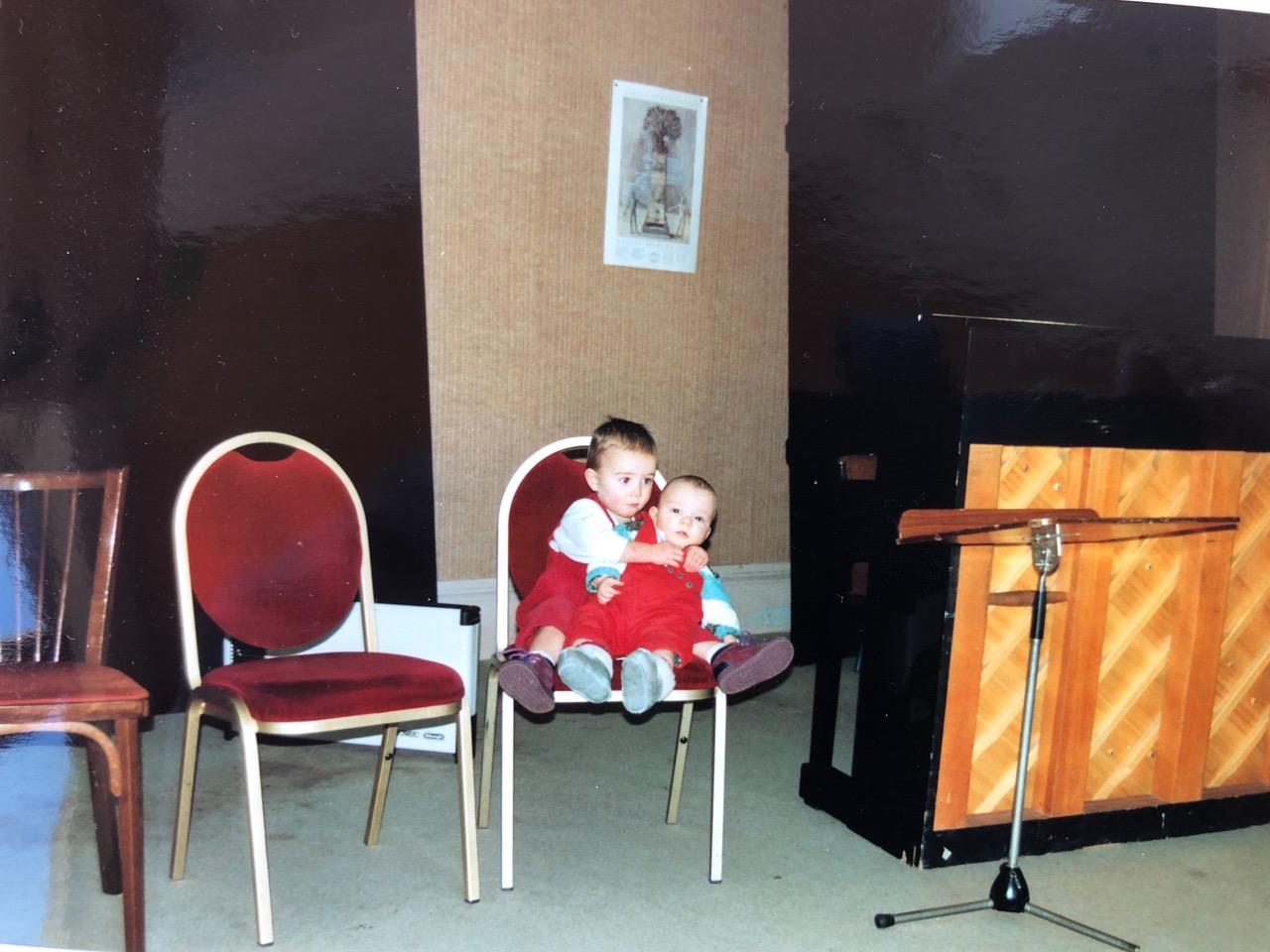 Abendprobe an der Operade Lyon, mein kleiner Bruder und ich, 1993